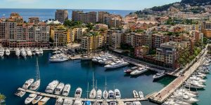 Exclusive Networking at the Luxury Gala Party Yacht Club de Monaco
