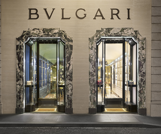 Bvlgari New Curiosity Shop provides a destination shopping experience. Exactly what retailers need to draw traffic back to their physical stores.